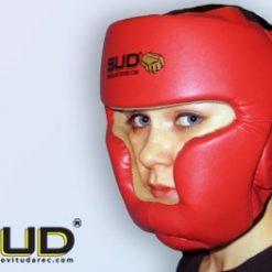 boks čelada z zaščito